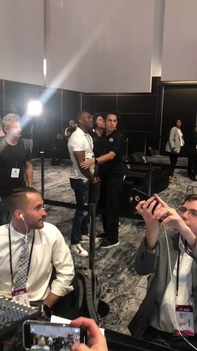 Super Bowl: UFC champ Kamaru Usman, Jorge Masvidal have heated moment