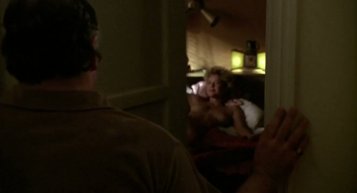 Annette Bening – The Grifters (1990)  – Celeb Nudity