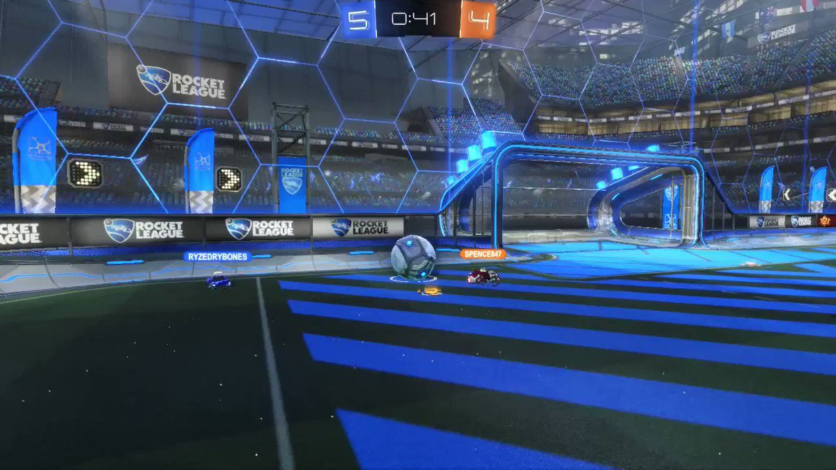 Here's a simple goal w/ a nice simple pass from my partner @TFlyzz in a game of Rocket League.  #rocketleague #teamwork #nicepass #niceshot pic.twitter.com/0JmdBQl232