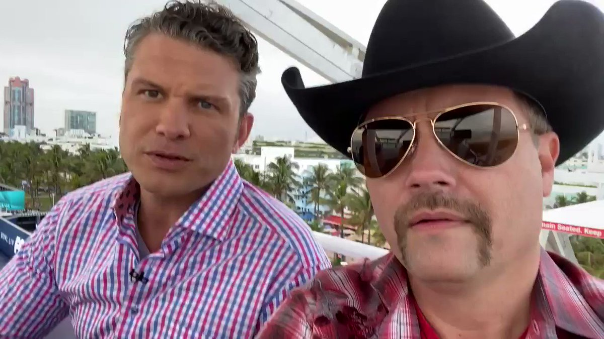 Easy day... just Hangin' with my buddy @PeteHegseth on a Ferris Wheel!