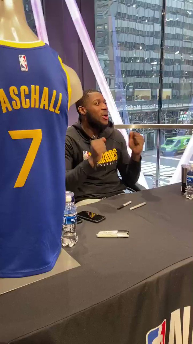 All smiles & laughs for @epaschall @NBASTORE NYC!