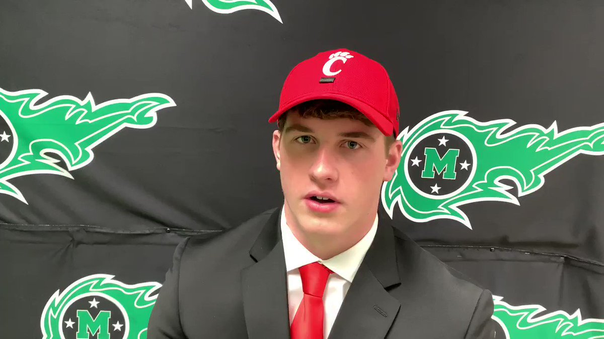 .@MasonCometsFB defensive lineman Barak Faulk talks about his decision to commit to continue his academic and athletic career at @GoBearcatsFB Check out this report from digital reporter Mallory Hill.