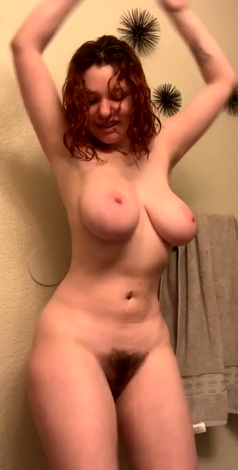 Come watch me shake my naked ass on OnlyFans--- https://t.co/JVR2jDNZy4 https://t.co/vM3PeZA3W1