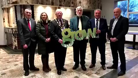 Investing in rural communities: Junior Minister @DeclanKearneySF congratulates @CrumlinUnitedFC on the official opening of its refurbished community services hub. @daera_ni @growsouthantrim ⬇️