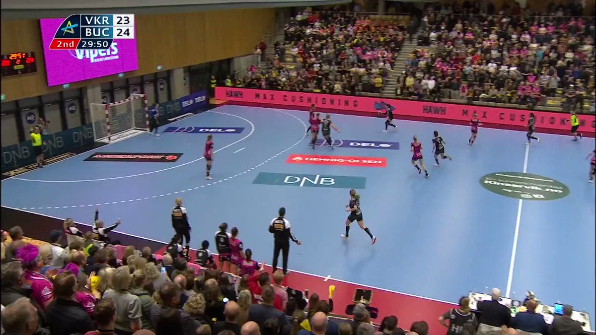 💪 @csm_bucharest are keeping the #deloehfcl quarter-final dream alive! Left wing Itana Grbic secured their win over @VipersKrSand with this shot from the right side in the final seconds 🔥 #ehfcl