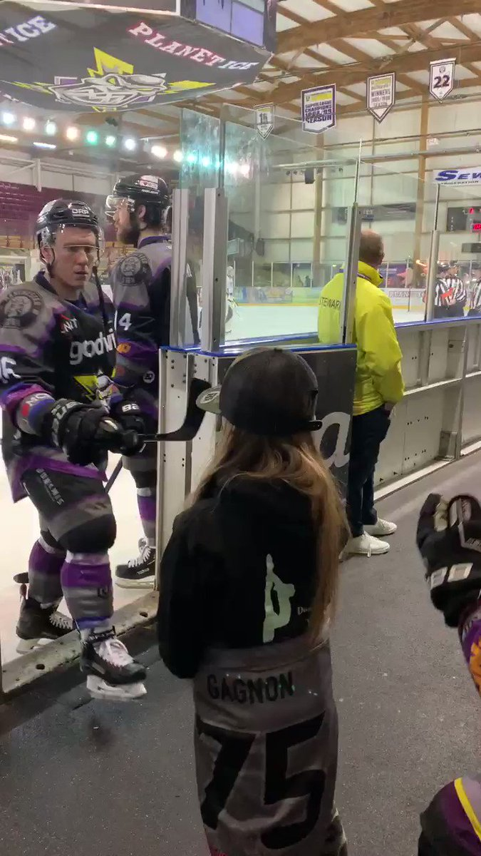 @Mcr_Storm_LJ you're categorically THE BEST.. thanks for arranging this for Wills. Huge thanks to the players for the fist pumps & to @Gagz55 for just being awesome! You have all made her night  #bestclub @Mcr_Storm  #stormie pic.twitter.com/IY0j5MmJCp