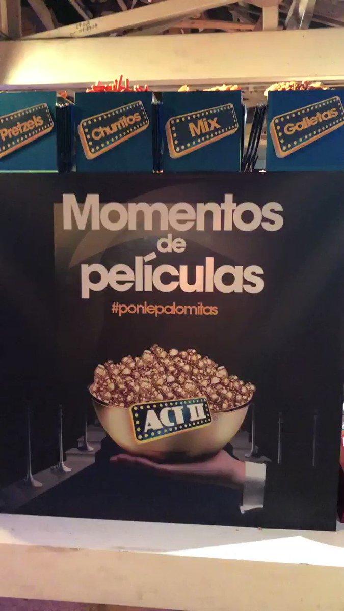Miren nada más la MEGA BARRA de snacks que se armaron los rifados de @ACTIIMexico 🤤🤤🤤🤤 #CINECLUBSopitas