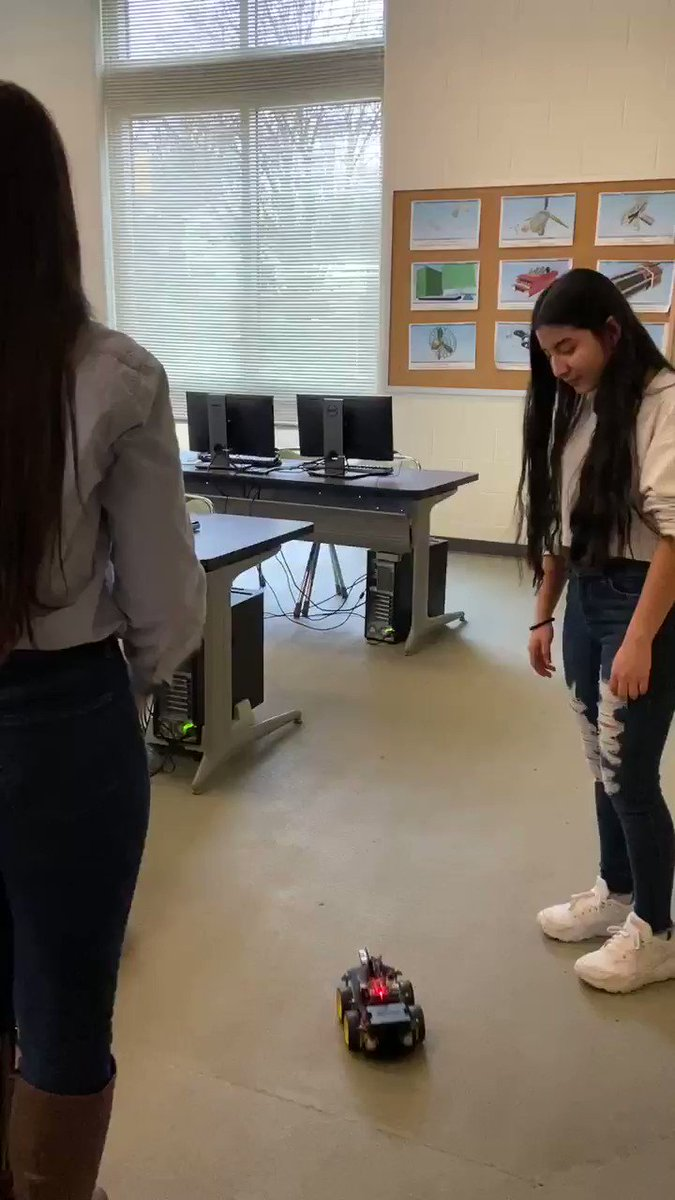 Krystal gets her Smart Robot moving! Thanks Julia from <a target='_blank' href='http://twitter.com/CodeHS'>@CodeHS</a> <a target='_blank' href='http://twitter.com/GirlsWhoCode'>@GirlsWhoCode</a> <a target='_blank' href='http://twitter.com/principalWHS'>@principalWHS</a> <a target='_blank' href='http://twitter.com/wakefieldptsa'>@wakefieldptsa</a> <a target='_blank' href='http://twitter.com/APSVirginia'>@APSVirginia</a> <a target='_blank' href='http://twitter.com/APS_OEE'>@APS_OEE</a> <a target='_blank' href='http://twitter.com/APSVaSchoolBd'>@APSVaSchoolBd</a> <a target='_blank' href='http://twitter.com/APSGifted'>@APSGifted</a> <a target='_blank' href='https://t.co/sQWbWZ1lCU'>https://t.co/sQWbWZ1lCU</a>
