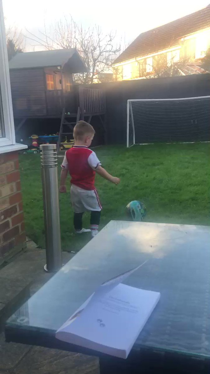 My boy celebrating his goal @LacazetteAlex style 😂😂😂🔴⚪️🔴⚪️