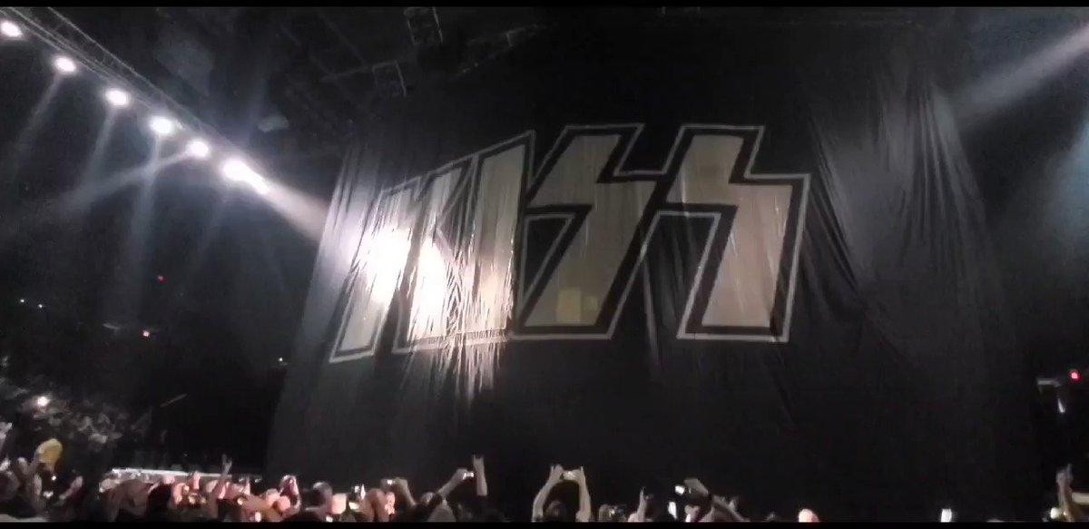 TONIGHT! #KISS #EndOfTheRoad World Tour hits @CLAmktg in #Columbia, SC!