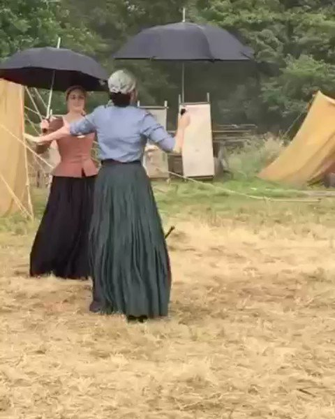 Nothing says Droughtlander's almost over like dancing in the rain! @SkeltonSophie @caitrionambalfe @Outlander_STARZ #Outlander