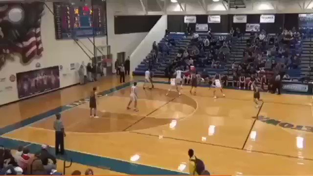 SWIPE AND FLUSH: #Georgetown dual sport star Aaron Bizzell ('21) gets the steal, finishes above the rim #EFND #TXHSHOOPSpic.twitter.com/e2dLLZ1lI0