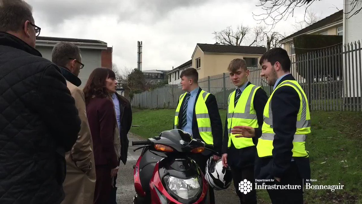 Minister @NicholaMallon was @dromore_high today where she was given a demonstration of practical moped skills from year 12 pupils undertaking their Motor Vehicle and Road Users Studies GCSE #PuttingSafetyFIRST @roadtozero @TrafficwatchNI @Education_NI @Ed_Authority