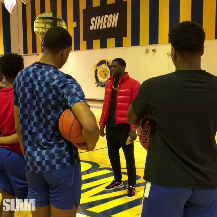 Kendrick Nunn pulled up to Simeon HS, his alma mater, to motivate the squad before their city semifinal tomorrow. Salute. @nunnbetter_ @SLAM_HS