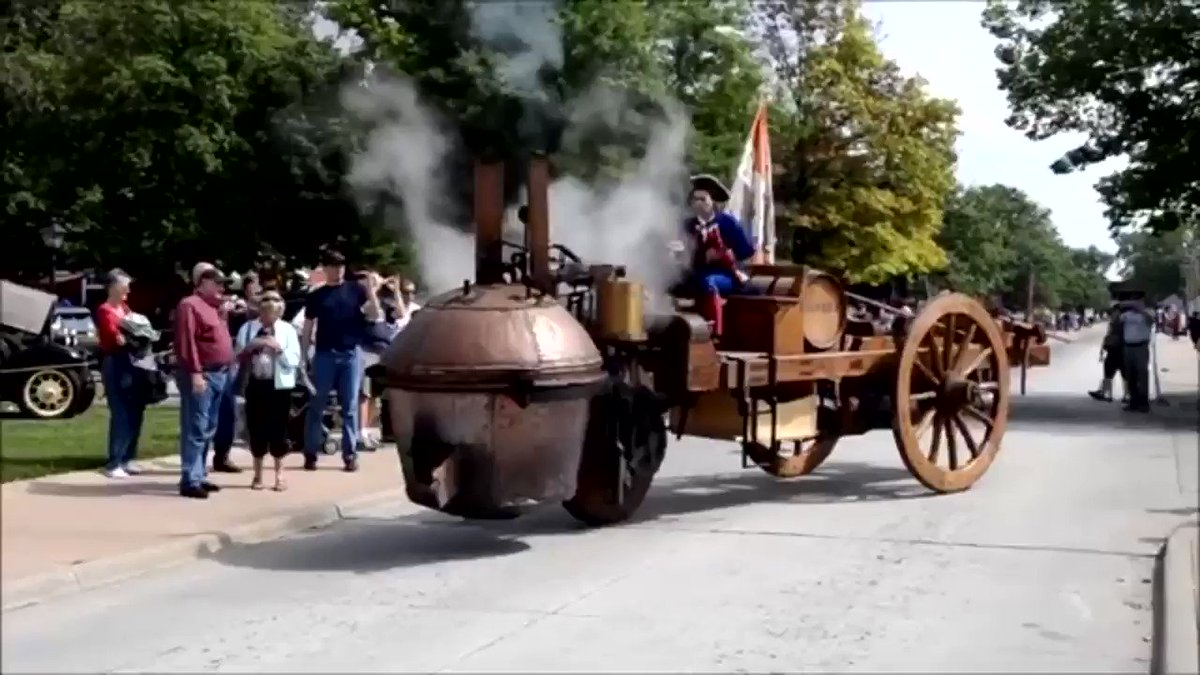 1769年に生まれた世界初の自動車です。大砲を運ぶ用途で使われましたが、この時代によくぞ作ったものと感嘆します。