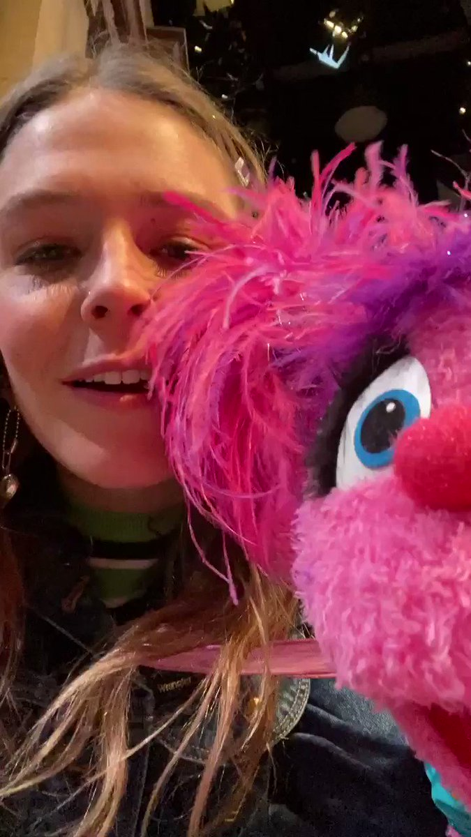 Spreading all the love on Sesame Street with @AbbyCadabbySST and @maggierogers! #Season51 #ValentinesDay