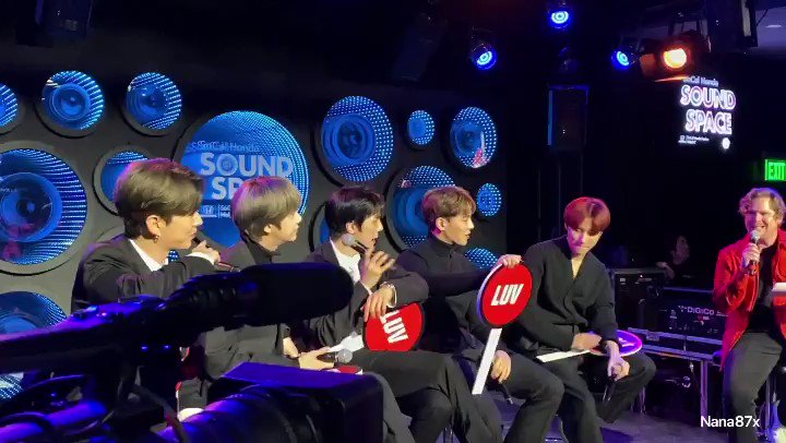 MC: What does MX recommend buying for Valentine's Day? Flowers, Romantic Dinner, MX Album, or all of the above IM: All of the above!  Minhyuk: and ring! Shownu: I like just dinner..it's too expensive🤣🤣🤣 #MONSTAX#MonstaXinLA #RadioComMonstaX #ALLABOUTLUV  #MONSTA_X #몬스타엑스