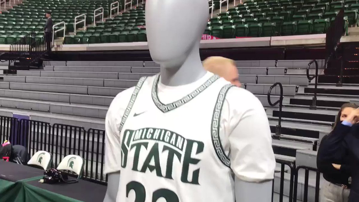 MSU 1999-2000 throwback uniforms on display here at the College GameDay broadcast. @LSJGreenWhite