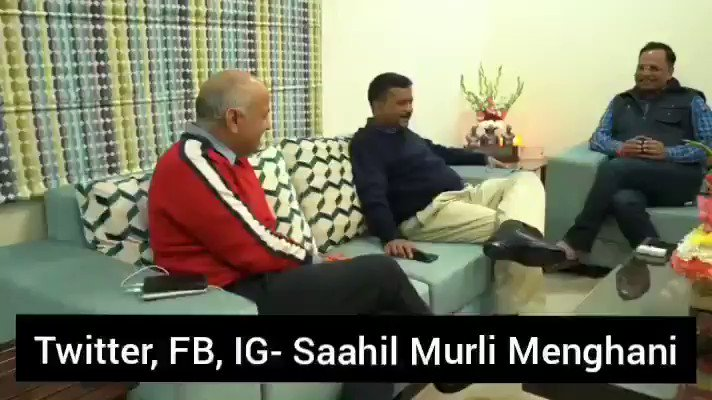 Kaam shuru! VIDEO of the meeting on inside @ArvindKejriwals home with his Cabinet Ministers tonight. -Discussion on priority initiatives & action items for Delhi govt for the next 3 months -Focus will be on developing a roadmap for making Delhi a 21st century Global City👇
