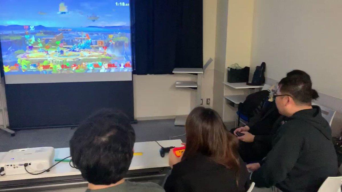 Image for the Tweet beginning: スマブラ8人対戦はまさに大乱闘😆✨