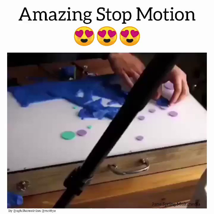 Image for the Tweet beginning: Brilliantly done stop motion animation.