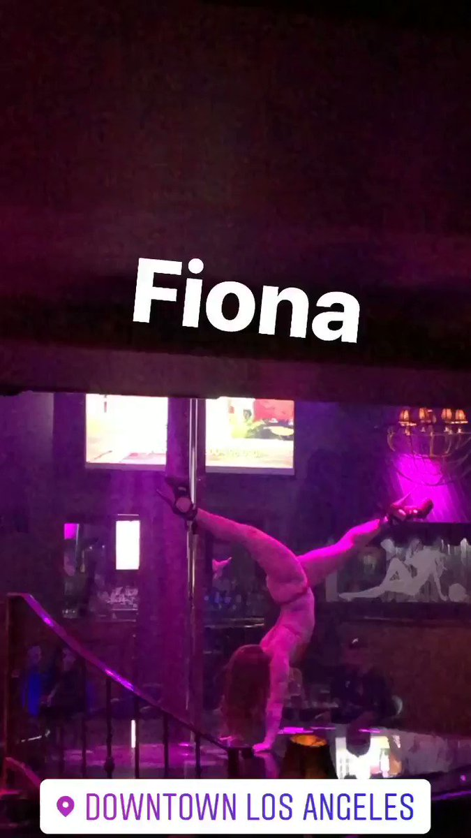 Another Sunday Funday here! FIONA 💃🏼🍑doing what she does best🔥 Come check us out NOW‼ 🦏RHINOSTYLE  ⚡ROLLCALL⚡ LANA TATIANA  LOLA PRECIOUS  LISY AUTUMN  TYLER DEE ELLE ... more to come😏 #Damesngamesla #spearmint #rhino #style #losangeles #dlta #dancers #party #thursdayvibes
