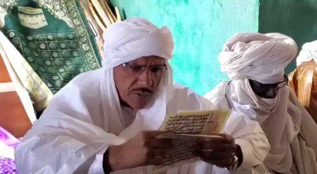 #prières #pour_la_paixUne séance de lecture collective du Saint-Coran et suivie d'une prière à la mosquée de #Tabelot (Agadez) pour le repos des âmes des nos vaillants soldats tombés sur le champ d'honneur,pour la paix,la sécurité et la cohésion sociale au #Niger