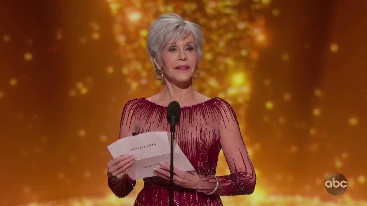 Bong Joon Ho deserves an anthem.  #BongJoonHo #Oscars #Parasite pic.twitter.com/ZbhxrOYlB6