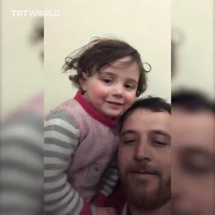 شام میں ماں باپ بچوں کوگرجتے ہوئے جہازوں، بموں کی دھماکوںپر ہنسنا سکھاتے ہیںمعصوم بچے پٹاخوں کے آواز مان کر ہنستے ہیں، پھر کسی دن ایسے ہی کسی جہاز سے گرے بم میں پورے خاندان کے چیتھڑے اُڑ جاتے ہیں 😢اللہ کا شُکر ادا کرنے کے ساتھ ان مسلمانوں کے لئیے آواز نہیں اُٹھانی چاہئیے؟