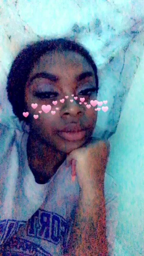 Call Me Honey 🤤 (@MilaaTheBrat) on Twitter photo 17/02/2020 16:26:15