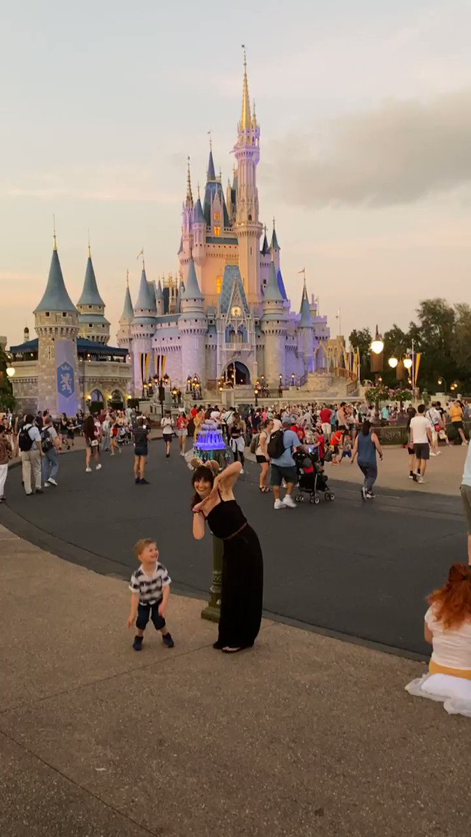 Take us back please 👑 #disneyworld #Florida #cinderellascastle #princess #disney #missit #BackToLife #backtoreality