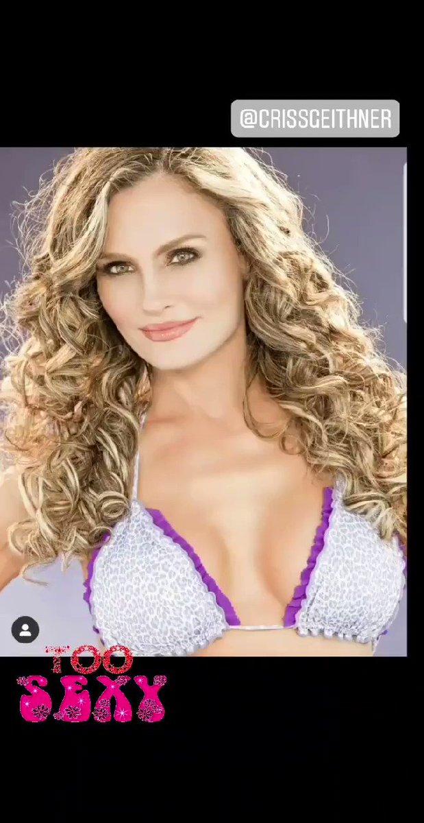 Work in progress...🦋 #auracristinageithner #lapotradelabanda #Colombia #Medellin #goals #happy #smiles #powerwomen #mujeresreales #sunrise #LoveMyLife #2020 #faces #prettygirl #beautiful #beauty #girl #love #adorable #picoftheday 🌹🌹