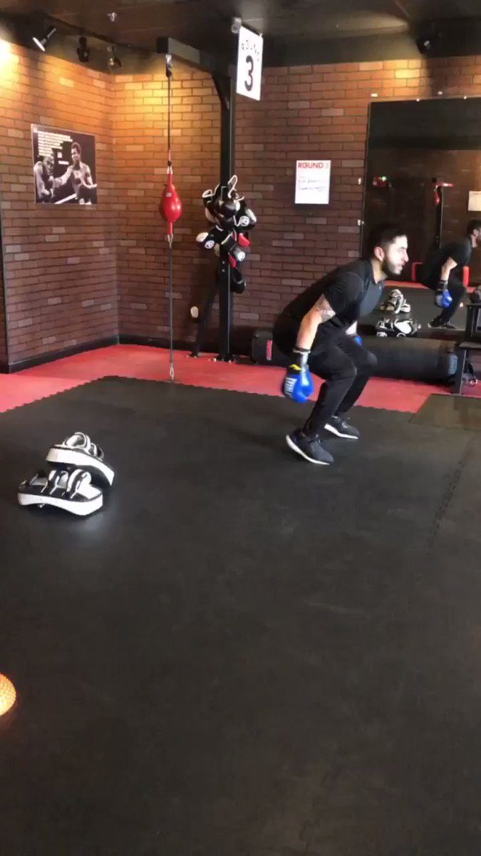 It doesn't get easier, you get STRONGER!💪🏼 . . 🆓 workout HERE 👉🏼  or CALL US at 956-800-4411! 🥊 . . #9RoundMcAllen #Kickboxing #Fitness #Fitspo #Motivation #StrongerIn30Minutes #ItsAboutTime #Workout #McAllen #RGV