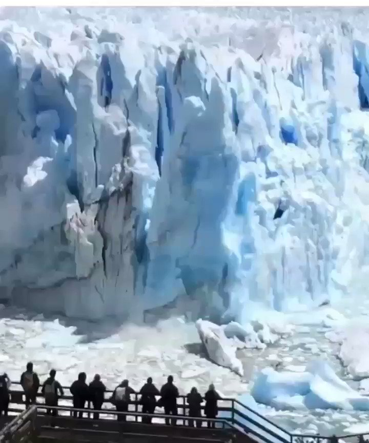 Happy #Tuesday All My Lovely Friends..Have a Great Day Everyone  #TuesdayThoughts #amazing #Travel #travelphotography #Snow #TravelTuesday #WinterWonderland #Snowflakes #Argentina #Winter  Massive Ice Sheet Breaks Away From Glacier in Argentinapic.twitter.com/7HbkKBxf5W