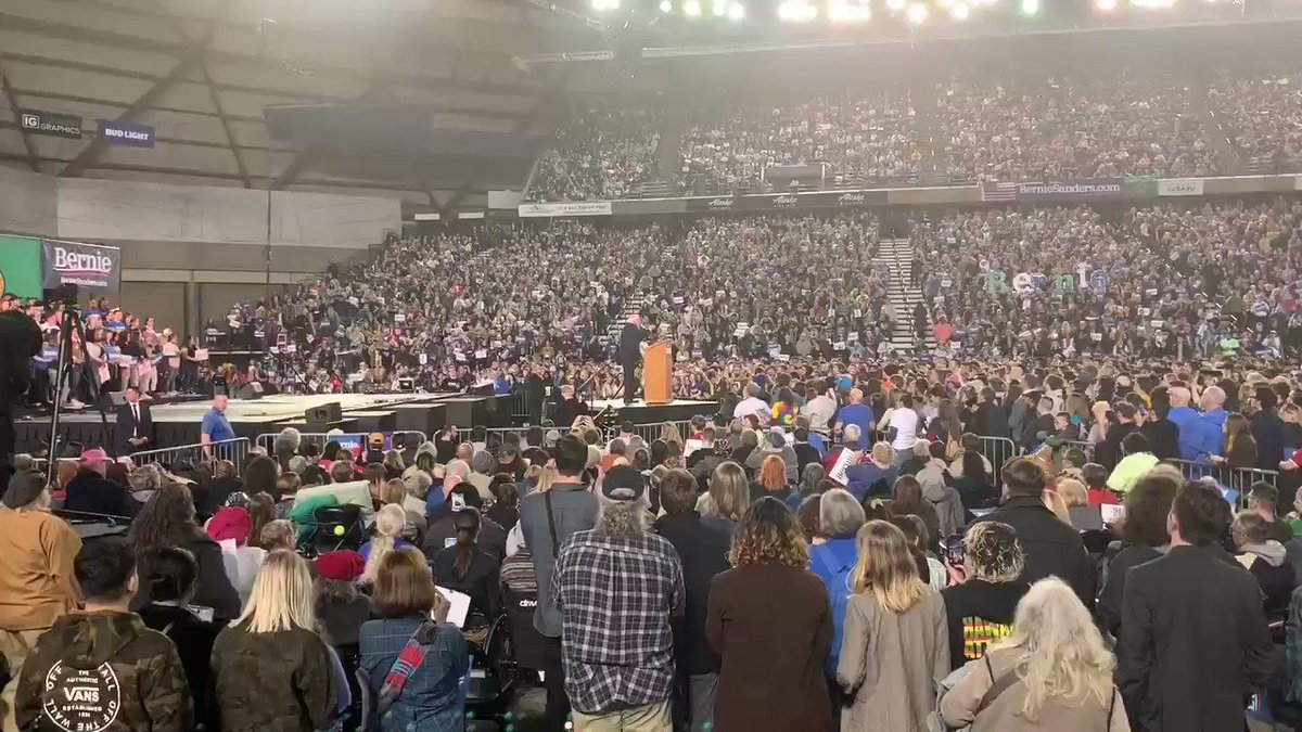 Every teacher must listen to @BernieSanders' powerful vision for #education at his packed out Tacoma Dome rally last night! He calls for tripling funding for low income schools, setting a minimum salary of 60k for teachers, & tuition free college! pic.twitter.com/hywKueJ4wh