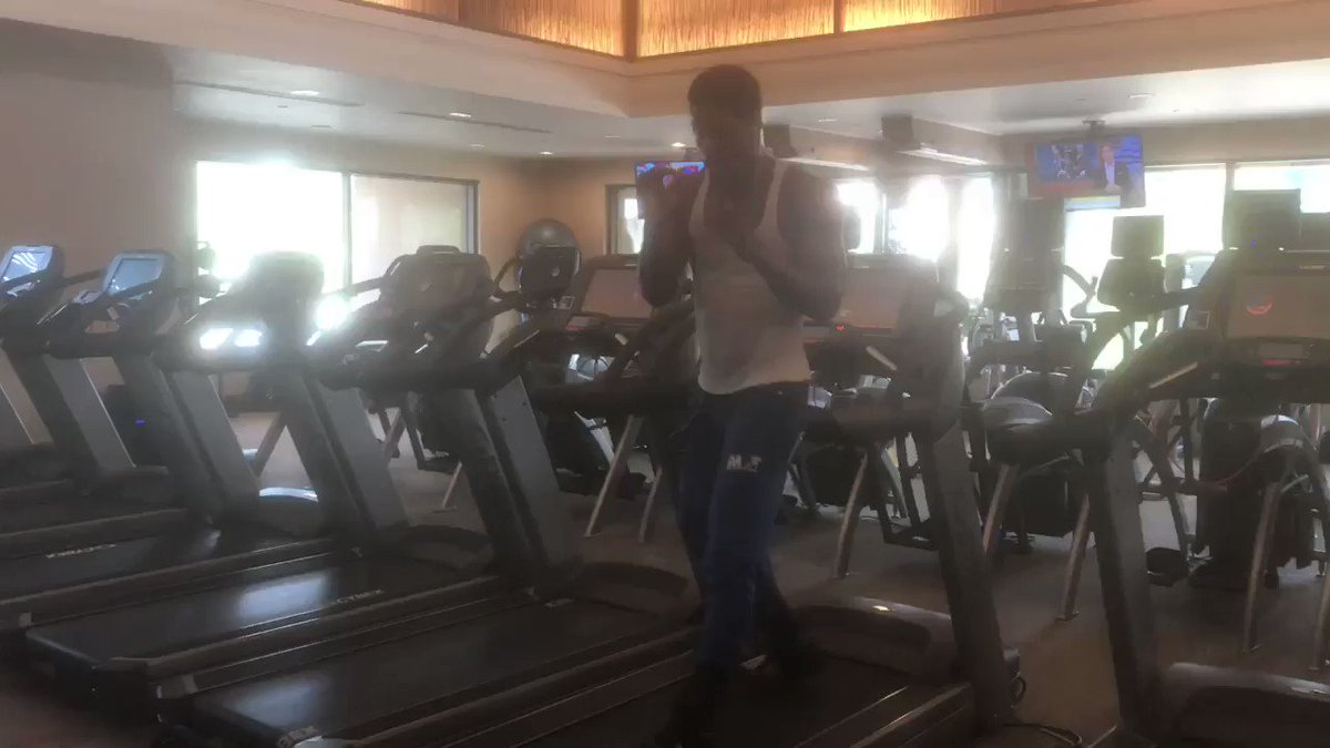 Deontay Wilder's fighting brother Marsellos making quirky use of treadmill at the MGM. Latest from fightweek with Deontay interview up soon: http://www.bbc.co.uk/sport/boxing/51542181… #WilderFury #boxing #footwork