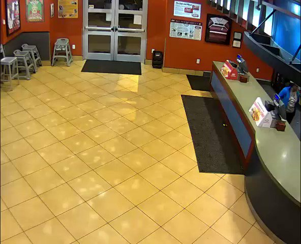 MUST-SEE VID: A married couple spent their date night thwarting a robber at Raising Cane's in the Highlands. Guess that's what you do when you're both cops! https://www.wlky.com/article/raising-cane-s-robbery/30983327 …