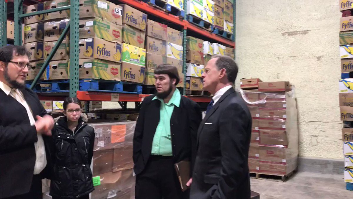 Senator Pat Toomey tours Blessings of Hope Food Bank in support of the Food Donation Improvement Act. We talked about the election, trade and other issues concerning Pennsylvanians. @WGAL  @SenToomey  #fooddonationimprovementact #usmca