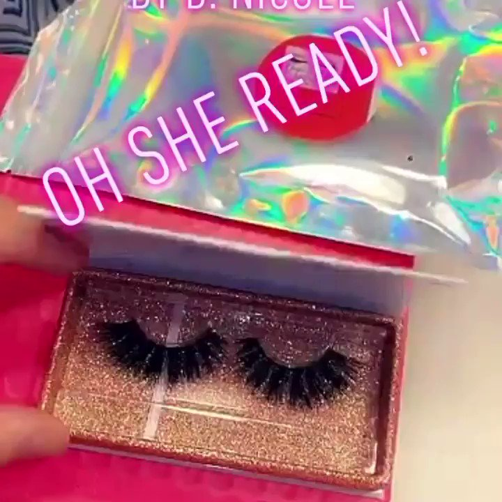 She received her package 📦 I can ship out to you ASAP receive your package in 2 days 💜🛍💎 #as #beautiful #volume #lashmaker #pesta #nails #lashlife #lashed #eyeshadow #fashion #cosmetics #explorepage #microblading #glam #minkeyelashes #makeuptutorial #like #mink #dlashes #skin