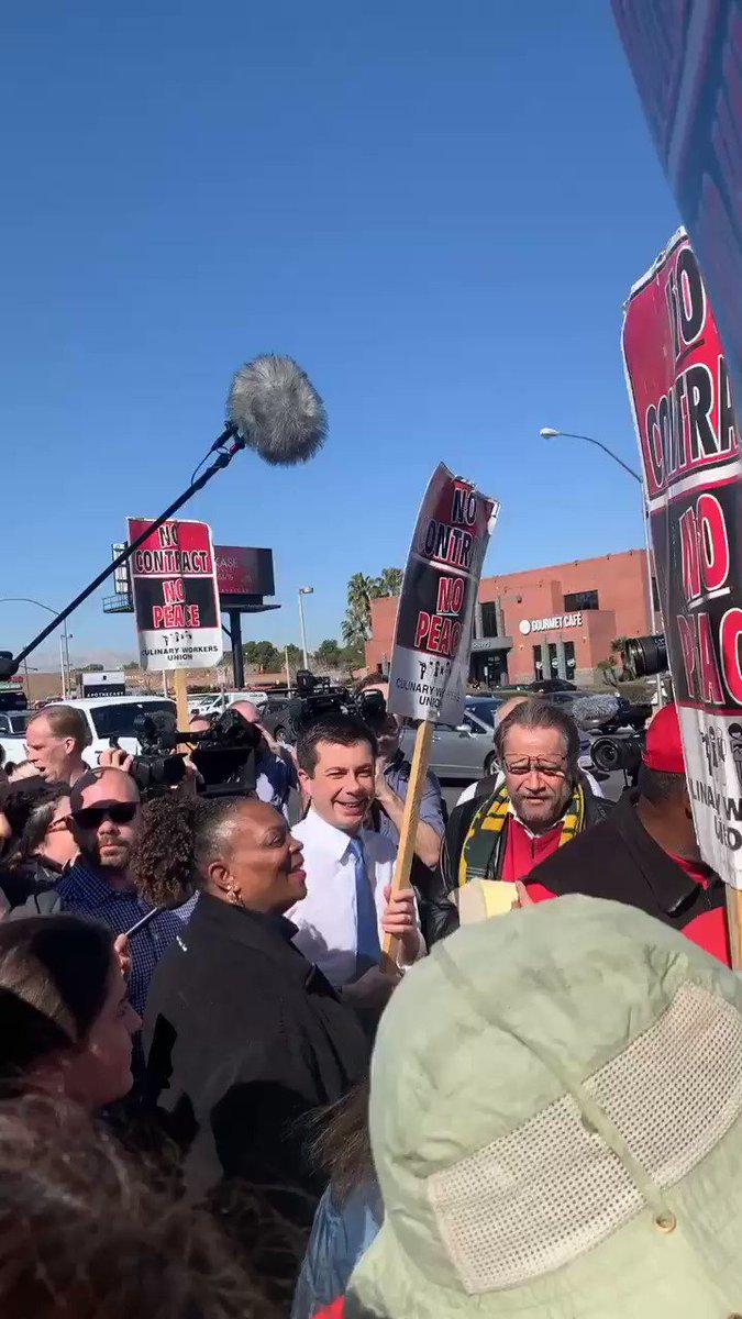 Workers at 7️⃣ Station Casinos are fighting for a #ContractNow!   Workers at Boulder Station, Palace Station, Green Valley Ranch, Palms, Sunset Station, Fiesta Rancho,Fiesta Hendersonare fighting for #1job to be enough!  Thank you @PeteButtigieg for your solidarity with workers!