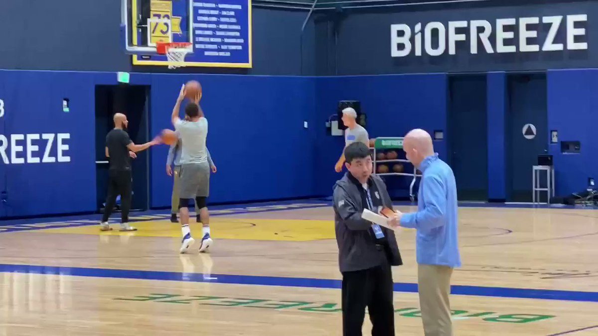 Watch: Steph Curry puts on a shooting show at Warriors practice