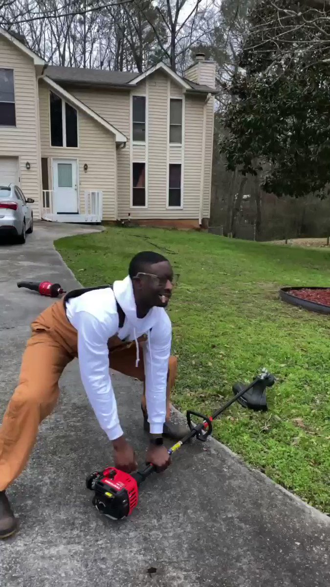 😂 How Hood Dudes Be When They Cutting Grass!😂🥽