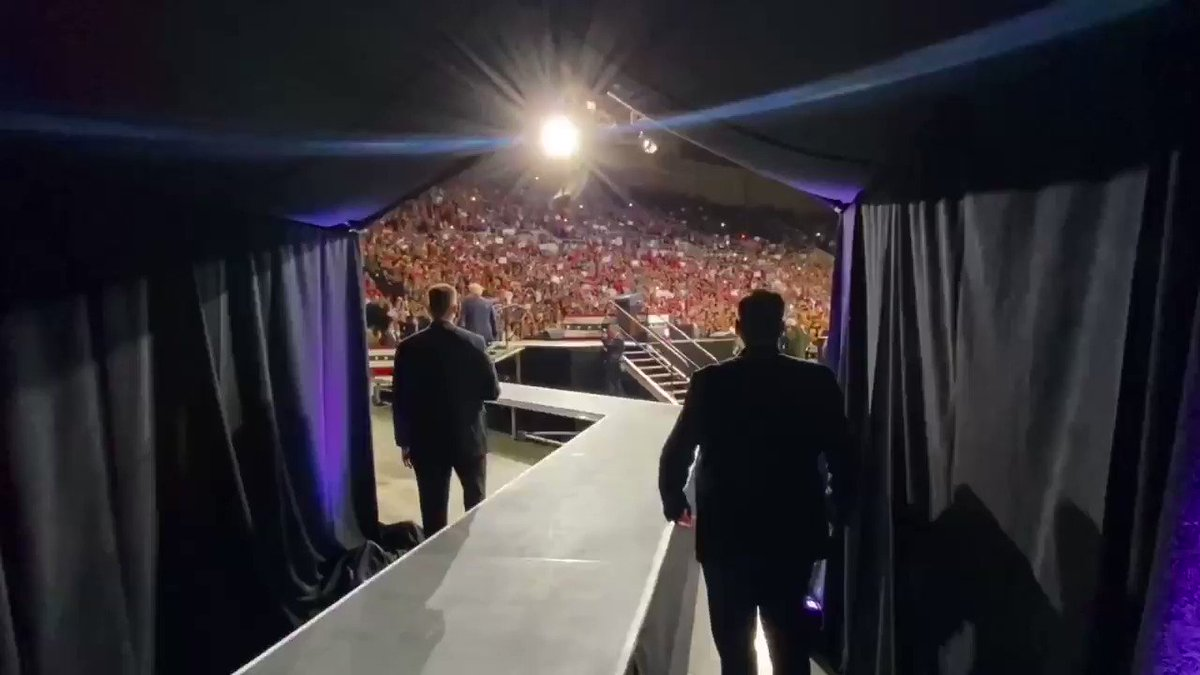 🚨HAPPENING NOW🚨  Another MASSIVE turnout for a #TrumpRally in Phoenix, Arizona.  #TrumpRallyPhoenix #KAG2020🇺🇸