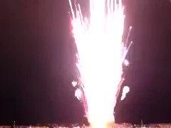 誤って15秒で全弾発射されてしまった2万発の花火