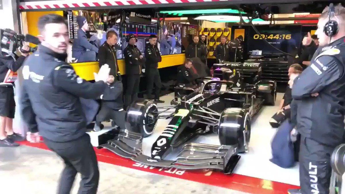 C'est autour de Daniel Ricciardo de rouler acec la RS.20 ce matin.  Il est pour l'instant P1 avec un temps de 1:17.749 (ce ne sont que des tests, mais ça fait plaisir à voir !) #RSspirit #F1Testing #Formula1 #RS20 #DR3 #F1