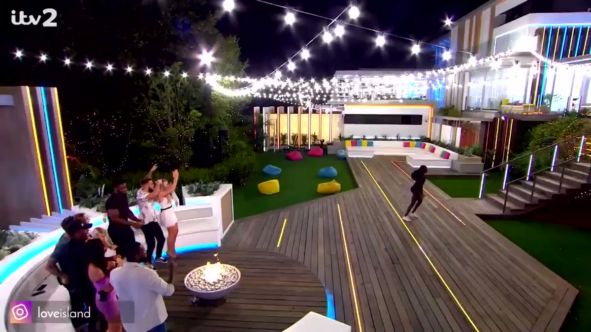 y'all I'm still not over Priscilla's dance, this has been the blackest series of love island and im HERE for it