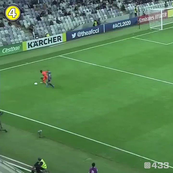 RT @433: We've always said keepers were crazy 😮   🎥 @theafchub https://t.co/T3gYIPKPRT