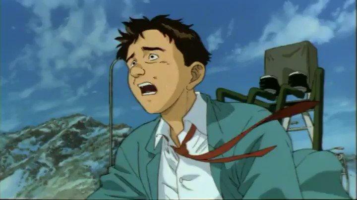 本日、なぜか『最臭兵器』が話題になっていたので久しぶりに鑑賞。このアニメは1995年に公開されたオムニバス映画『MEMORIES』(大友克洋製作総指揮)の中の一作で、手描き作画の魅力が全面に満ち溢れ、特に「異臭を放つ主人公が自衛隊から総攻撃を食らうシーン」の迫力は今観ても素晴らしい。