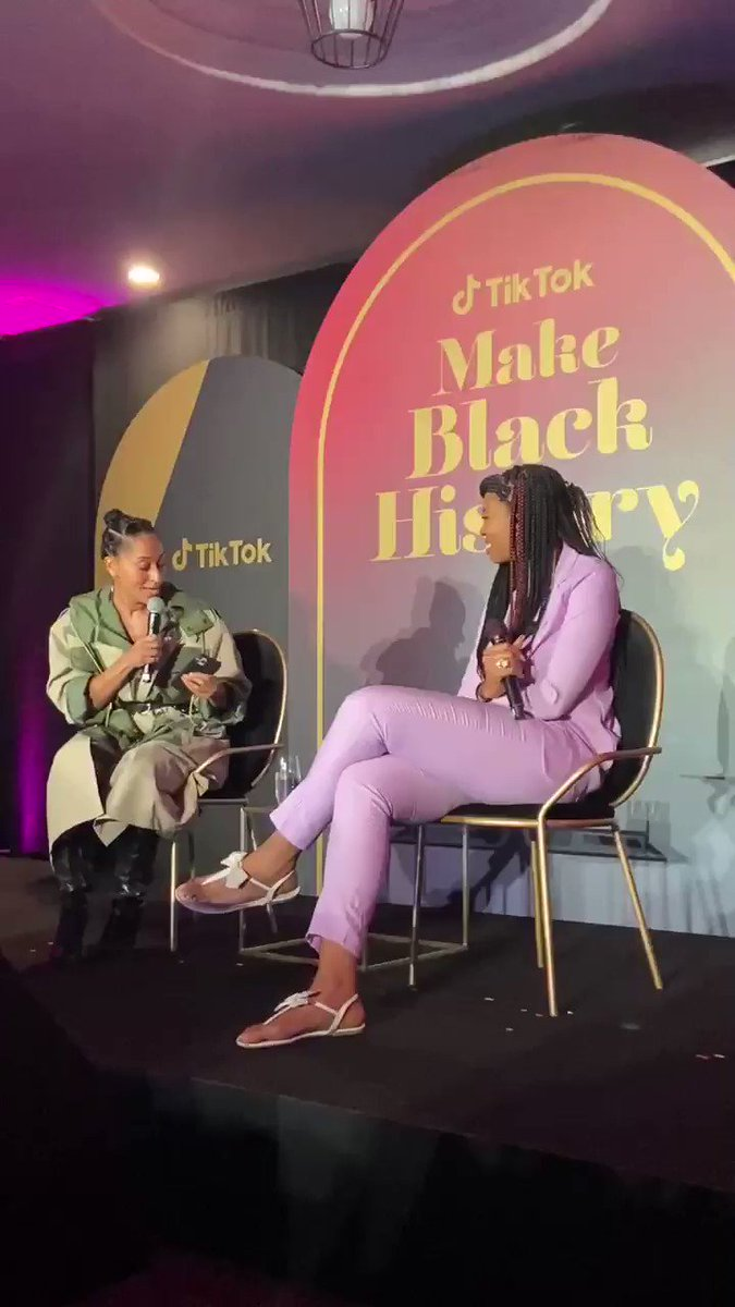 ✨@TraceeEllisRoss showing off her creative process to @Drea_KnowsBest 🤳🏾#MakeBlackHistory
