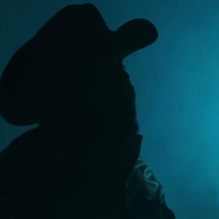 Welcome back *hat tip* 👋 #MasCaroQueAyer is the huge new album from @gerardoortiznet →